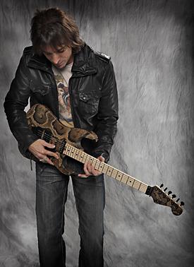 MusicPlayers.com: Features > Guitars > Warren DeMartini