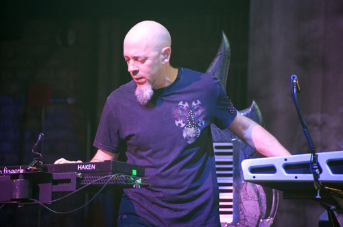 Jordan Rudess rockin' the Beacon Theater in New York City