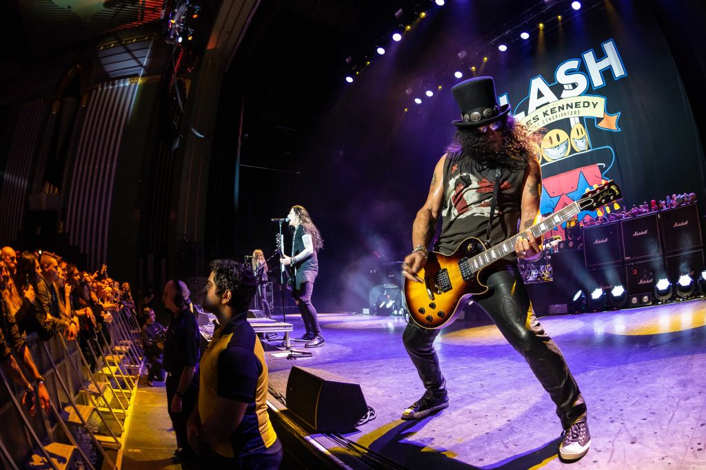 slash featuring myles kennedy and the conspirators living the dream tour. Black Bedroom Furniture Sets. Home Design Ideas